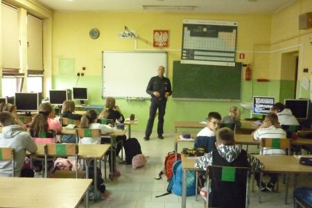 Bezpieczna Szkoła -  spotkania dla  uczniów klas IV-VIII.