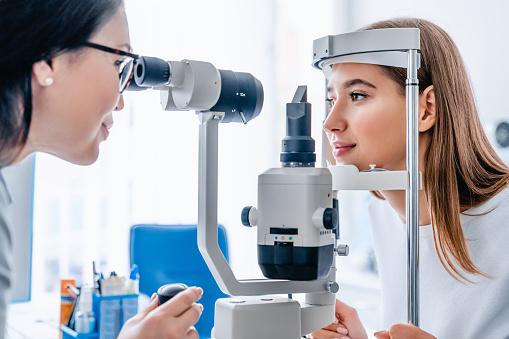 Profilaktyka chorób oczu dla uczniów
